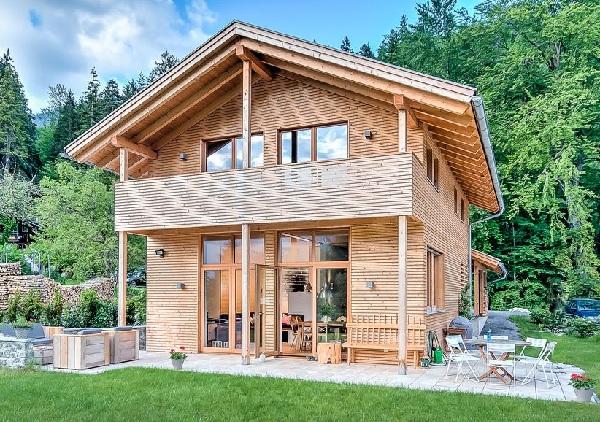 Làm nhà bằng gỗ mít