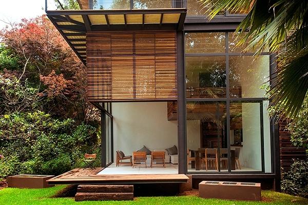 Nhà làm bằng gỗ lim