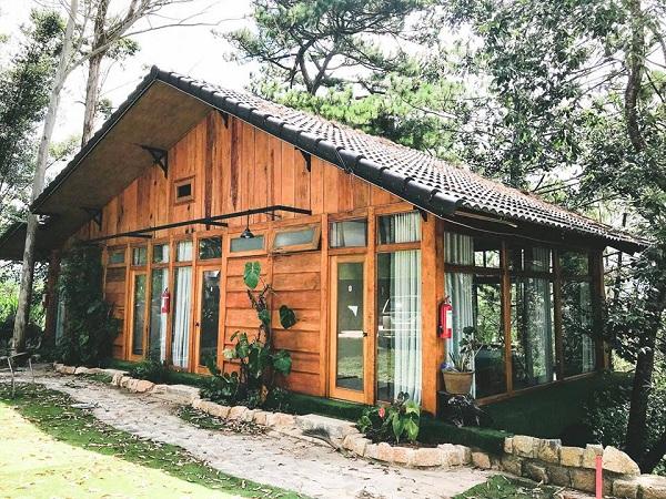 Thi công nhà gỗ kiểu Đà Lạt