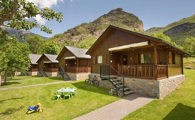 Mẫu nhà bungalow gỗ