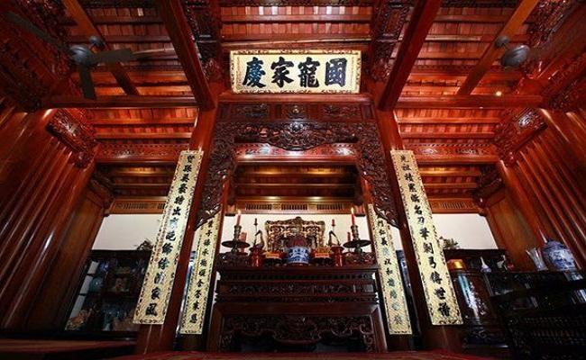 Mẫu nhà gỗ cổ thờ họ