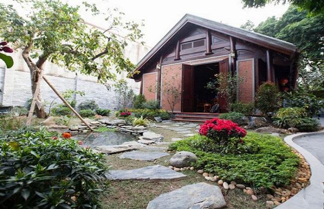 Nhà gỗ sân vườn