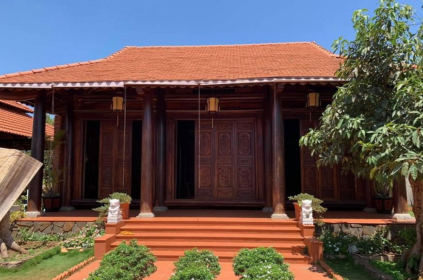 Nhà từ đường bằng gỗ