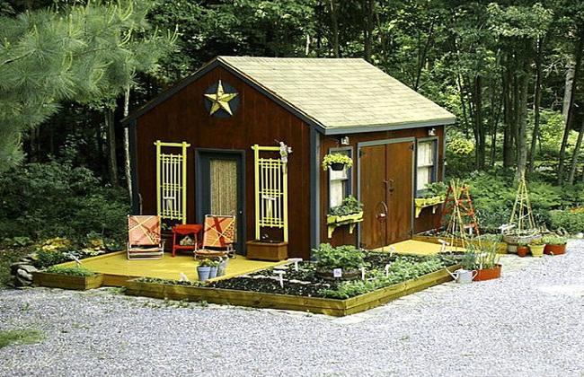 Nhà vườn bằng gỗ nhỏ