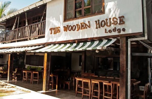 Thiết kế nhà hàng gỗ đẹp