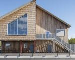 Nhận làm nhà bằng gỗ xoan hiện đại